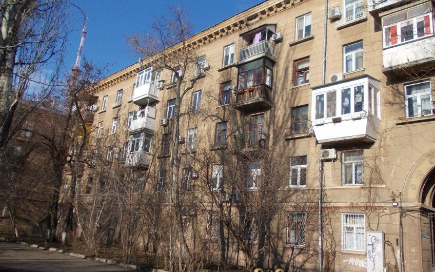 2х комнатная сталинка в Одессе, 3,5 ст. Фонтанской дороги.